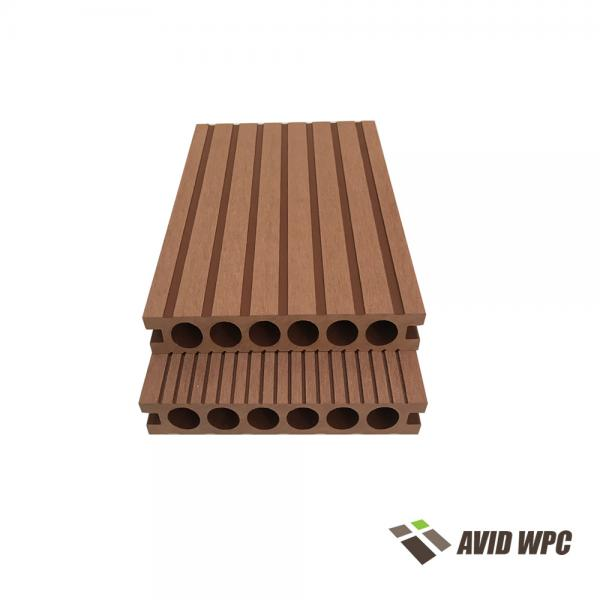 Outdoor-Pool-Decking Anti-UV-feuerhemmende hohle WPC-Decking